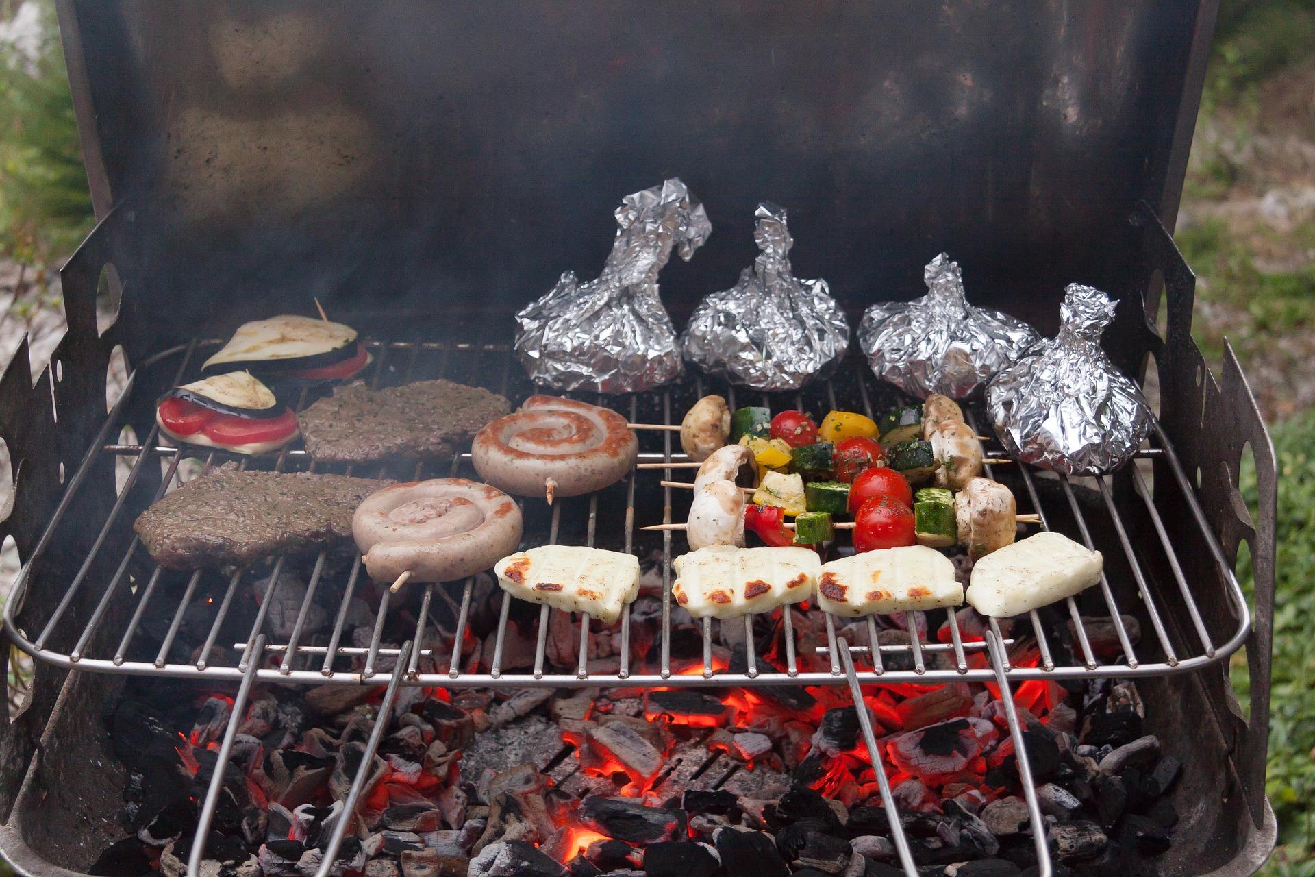 Cocinar en barbacoa trucos para conseguir los mejores for Comida para barbacoa